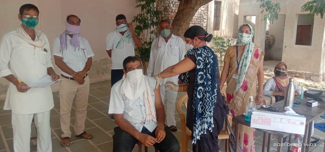 साण्डवा व तेहनदेसर में हुआ टीकाकरण
